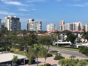300 Park Shore Dr Ph-6a, Naples, FL 34103