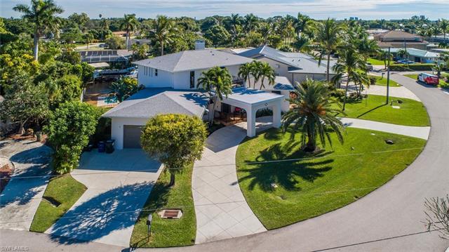 477 Keenan Ct, Fort Myers, FL 33919