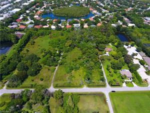 6735 Yarberry Ln, Naples, FL 34109