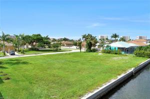 768 Caribbean Ct, Marco Island, FL 34145