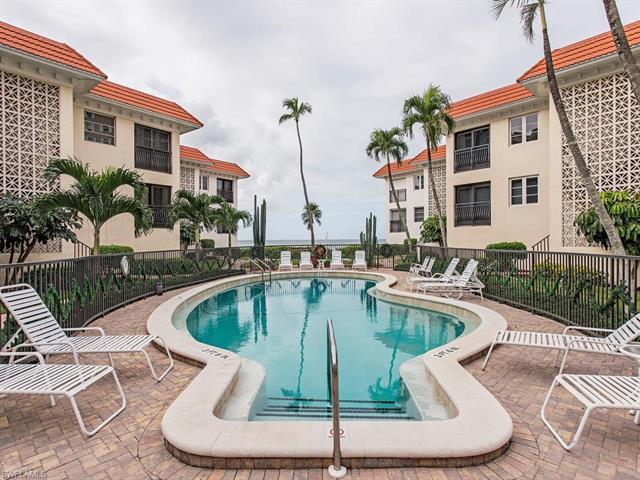 3333 Gulf Shore Blvd N 102, Naples, FL 34103