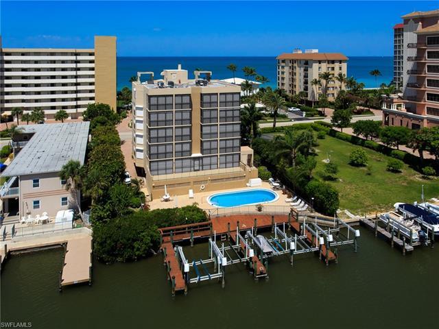 10562 Gulf Shore Dr 202, Naples, FL 34108