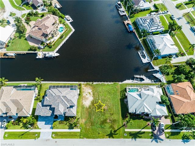 25 Anchor Ct, Marco Island, FL 34145