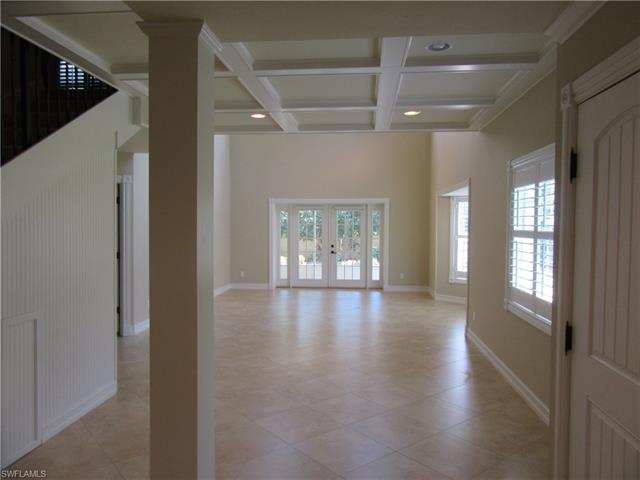 3137 Carriage Cir, Naples, FL 34105