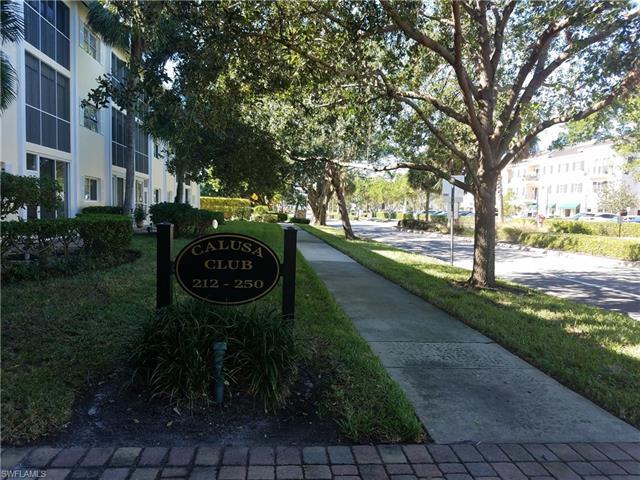 216 Banyan Blvd 216, Naples, FL 34102