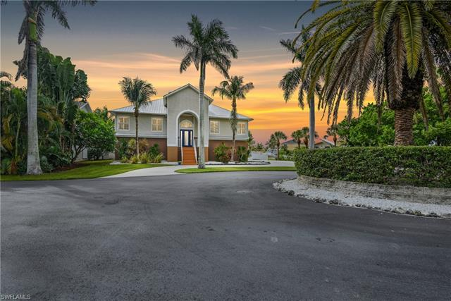 11490 Isle Of Palms Dr, Fort Myers Beach, FL 33931