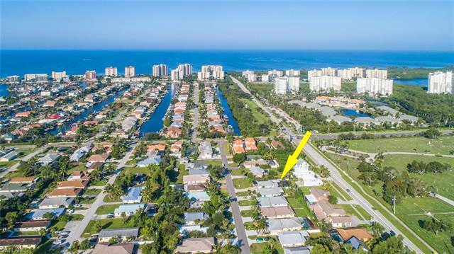 525 110th Ave N, Naples, FL 34108