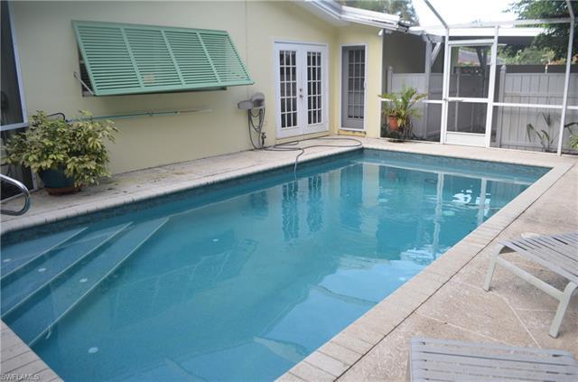1530 Mandarin Rd, Naples, FL 34102
