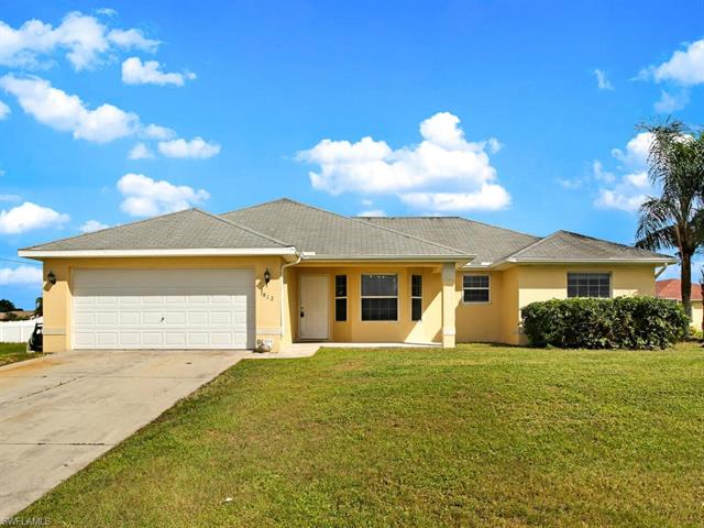 812 Carlfield Ave, Lehigh Acres, FL 33971