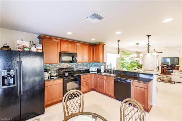 28520 Hammerhead Ln, Bonita Springs, FL 34135