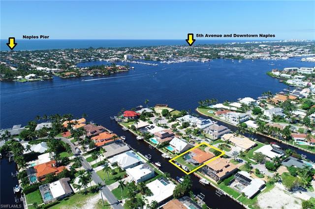 1366 Marlin Dr, Naples, FL 34102