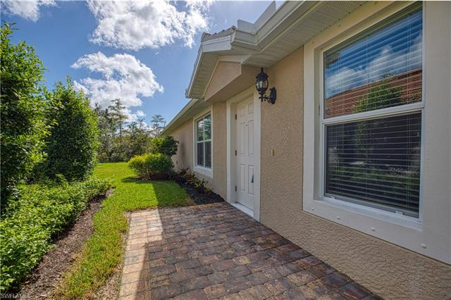 8462 Karina Ct, Naples, FL 34114