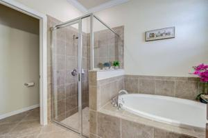 1975 Fairmont Ln, Naples, FL 34120