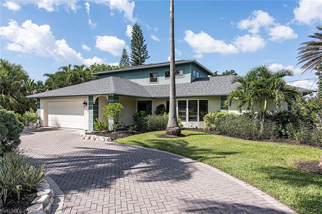 585 108th Ave N, Naples, FL 34108