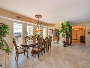 700 La Peninsula Blvd 503, Naples, FL 34113