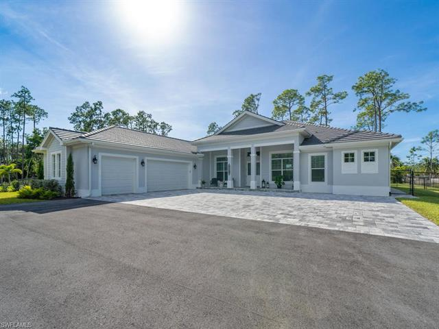 1397 Oakes Blvd, Naples, FL 34119