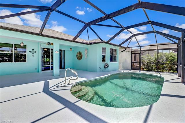 454 Crossfield Cir, Naples, FL 34104