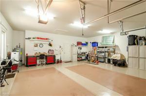 9282 Quarry Dr, Naples, FL 34120