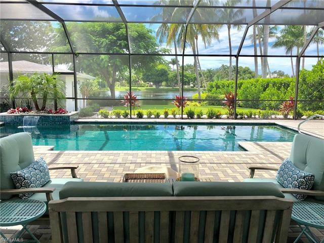 561 Palm Cir E, Naples, FL 34102