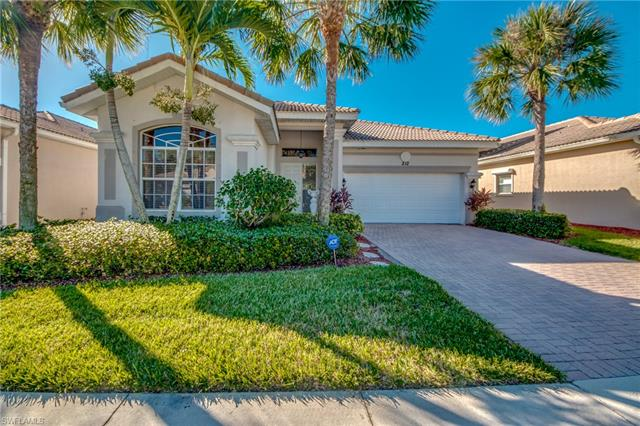212 Glen Eagle Cir, Naples, FL 34104