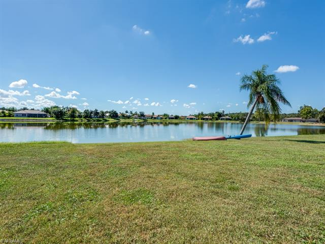 709 Meyer Dr, Naples, FL 34120