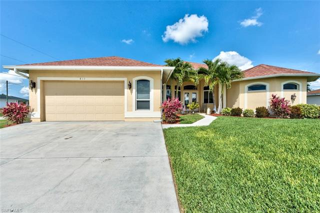811 Calvert Ave, Lehigh Acres, FL 33971