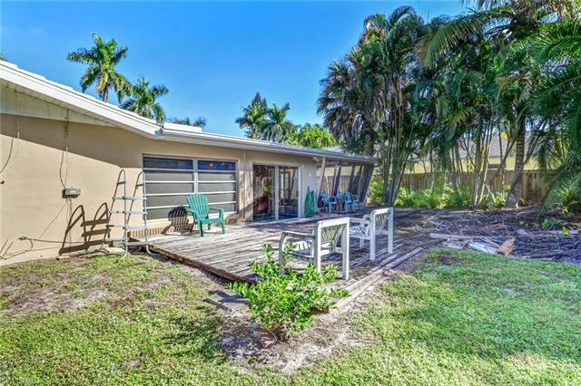 1158 Royal Palm Dr, Naples, FL 34103