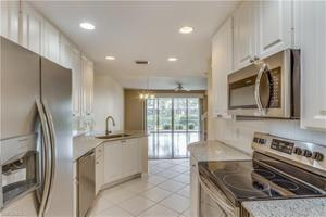 5377 Cove Cir 122, Naples, FL 34119