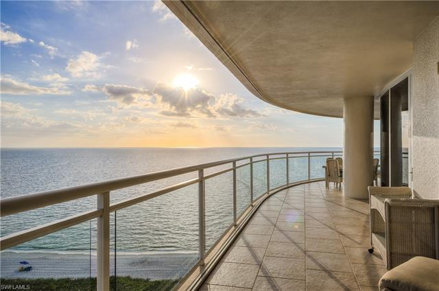 11125 Gulf Shore Dr 1003, Naples, FL 34108