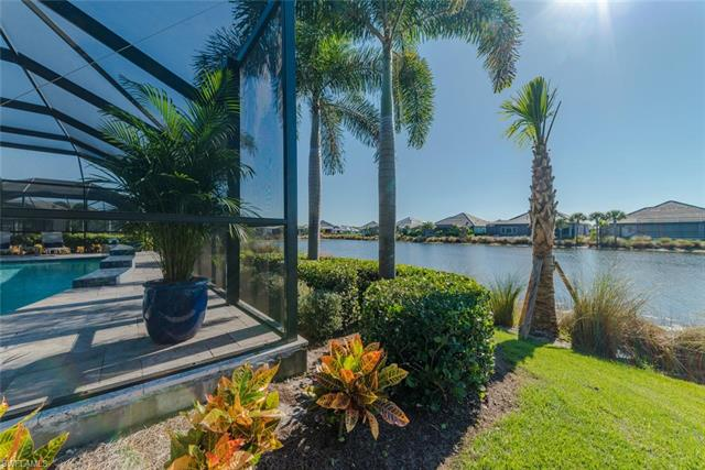 6435 Pembroke Way, Naples, FL 34113