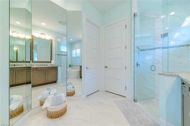 6435 Pembroke Way Nw, Naples, FL 34113