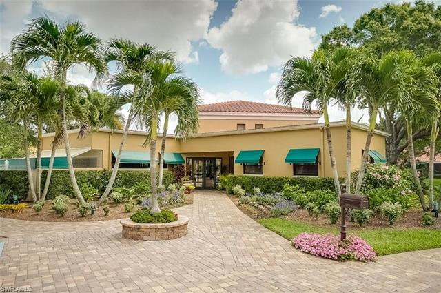586 Beachwalk Cir W O-202, Naples, FL 34108