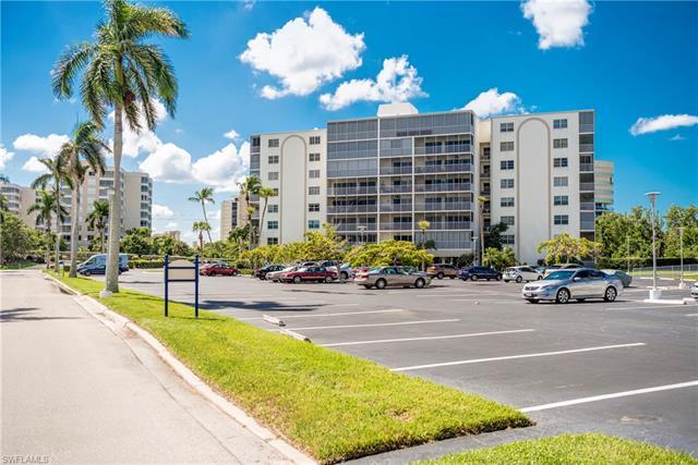 1 Bluebill Ave 308, Naples, FL 34108