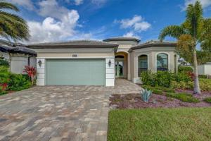 10137 Florence Cir, Naples, FL 34119