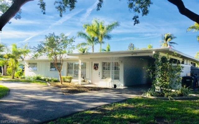 1035 Wyomi Dr, Fort Myers, FL 33919