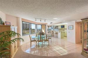 4041 Gulf Shore Blvd N 402, Naples, FL 34103
