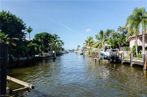 1498 Marlin Dr, Naples, FL 34102