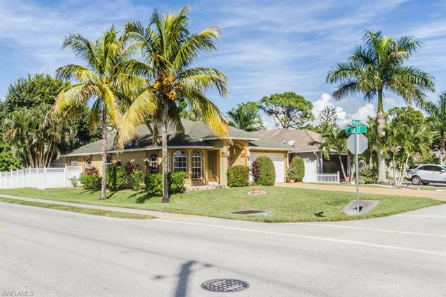 801 109th Ave N, Naples, FL 34108