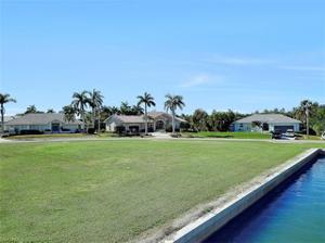 931 Inlet Dr, Marco Island, FL 34145