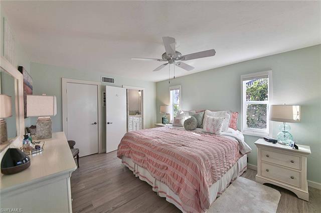 1040 Cottonwood Ct, Marco Island, FL 34145