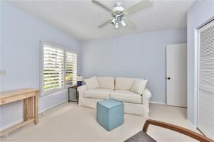 797 Willowbrook Dr 204, Naples, FL 34108
