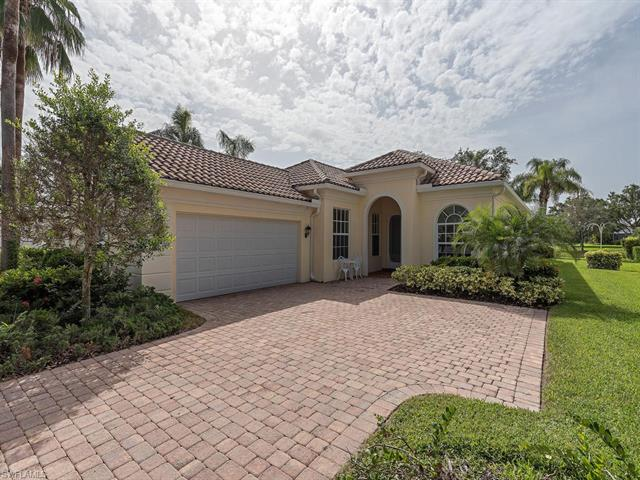 5488 Freeport Ln, Naples, FL 34119