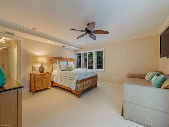 2919 Gulf Shore Blvd N 101, Naples, FL 34103