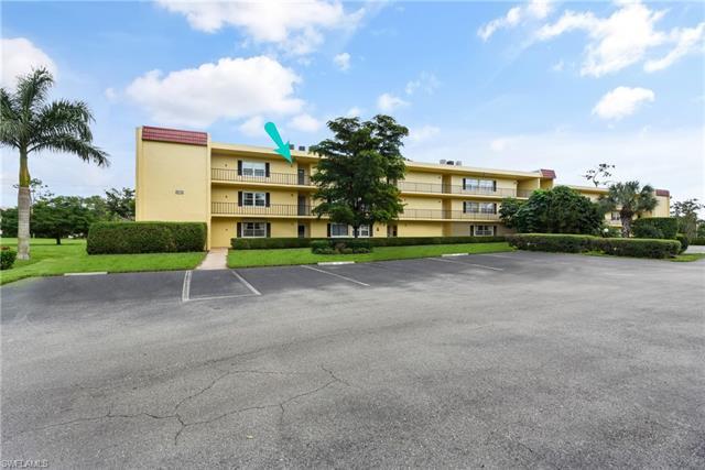 1085 Forest Lakes Dr 302, Naples, FL 34105