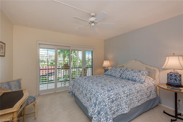 3399 Gulf Shore Blvd N 305, Naples, FL 34103