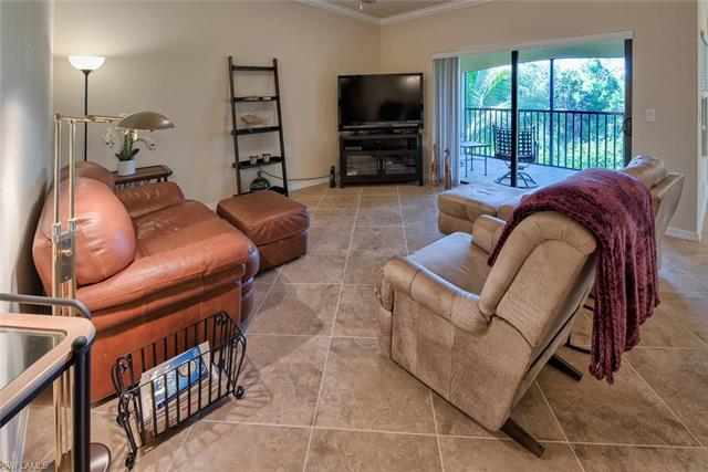 9832 Venezia Cir 1023, Naples, FL 34113