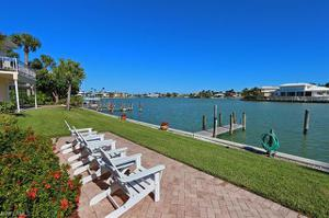 3070 Gulf Shore Blvd N 104, Naples, FL 34103