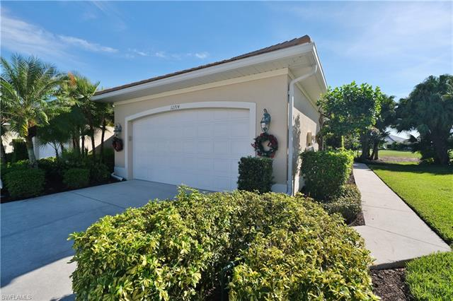 12714 Fox Ridge Dr, Bonita Springs, FL 34135