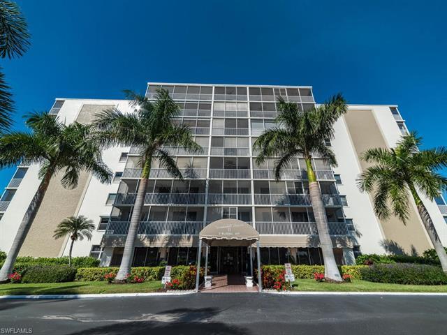 3 Bluebill Ave 402, Naples, FL 34108