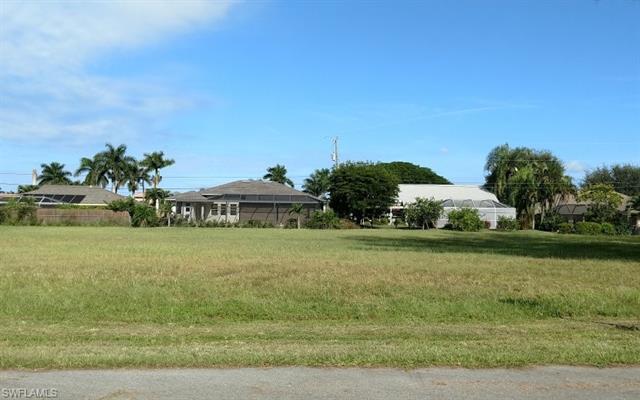 5749 Rose Garden Rd, Cape Coral, FL 33914